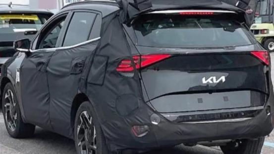 Το νέο Kia Sportage δείχνει λίγο τον εαυτό του