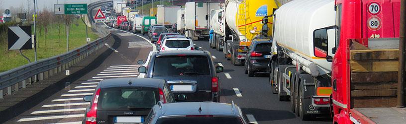 Prowadzisz firmę przewozową? Chcesz mieć niezależną kontrolę nad pojazdami? Sprawdź, jak działa system monitorowania pojazdów