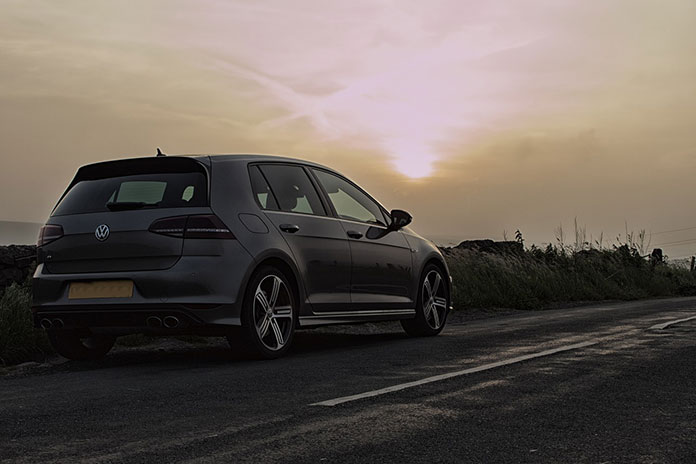 Wymiana części samochodowych w VW Golf