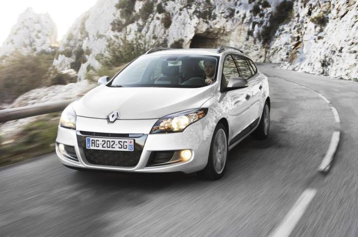 Renault Megane Iii Sports Tourer 1 5 Dci Fap Eco2 Automatic Edc Gt Line 2 Photos And 57 Specs Autoviva Com