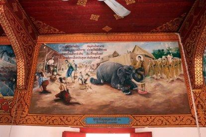 scène d'une étape de la vie de Bouddha à Wat Phra That Hariphunchai