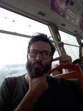 tiens c'est bizarre ce qu'il se passe dans ce bus