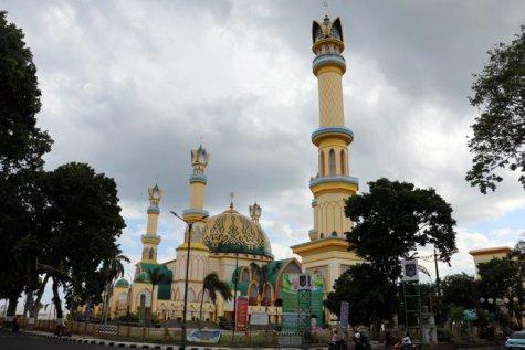 la grande mosquée...ça fait un peu Disneyland je trouve... pas vous ?