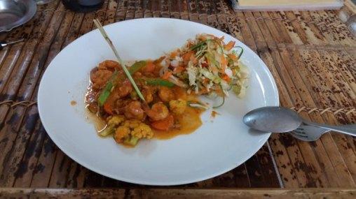 Crevettes en sauce piquante sur l'île de Gili Air (Indonésie)