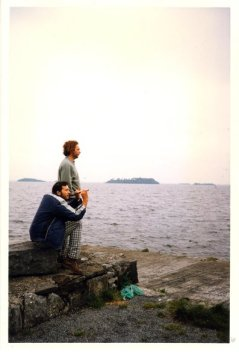David et moi près d'un lac du Connemara (RDV n°5 - Mes voyages avant...Internet...suite et fin) (RDV n°5 - Mes voyages avant...Internet...suite et fin)