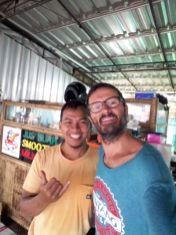 Avec Eddy le patron du warung Pondok Pedas