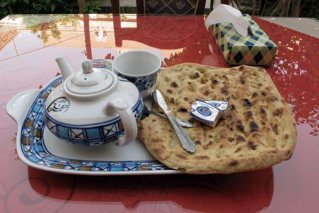 petit déjeuner dans mon hôtel à Yazd, le Traditional Kohan Hotel - l'autre ailleurs en Iran, une autre idée du voyage