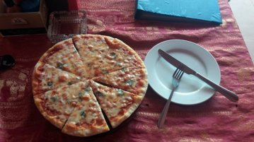pizza...hum c'est cambodgien ça ? à Siem Reap - L'autre ailleurs au Cambodge