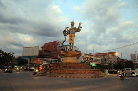 Battambang, l'entrée de la ville - L'autre ailleurs au Cambodge