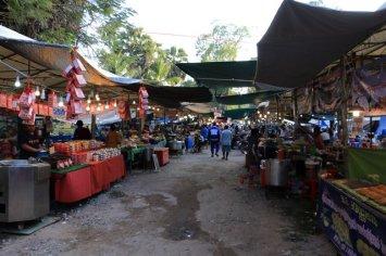 petit marché d'Apsara, le 2 décembre