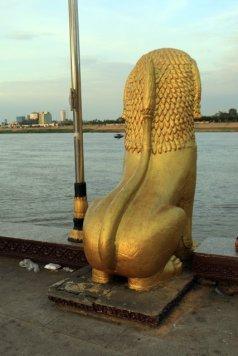 quand le lion guette le fleuve ... à Phnom Penh