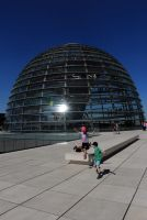 sur le tout du Bundestag, le dôme en arrière plan (http://www.autre-ailleurs.fr)