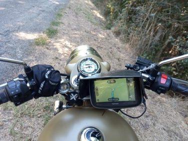 GPS Tomtom sur ma Royal Enfield (moto road trip) - l'autre ailleurs, une autre idée du voyage