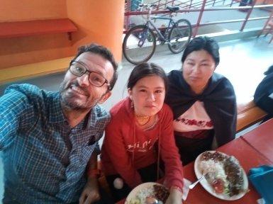 déjeuner avec Blanca et Eva (et Joël et Danilo qui ne sont pas sur la photo) - l'autre ailleurs, une autre idée du voyage