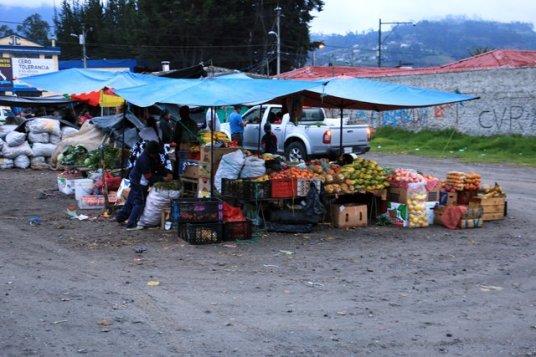 marché des pommes de terres (papas) et autres fruits et légumes - l'autre ailleurs, une autre idée du voyage