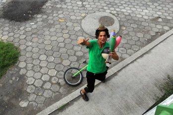 Alex, le jongleur d'Otavalo - l'autre ailleurs, une autre idée du voyage
