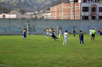 foot du dimanche matin à Otavalo - l'autre ailleurs, une autre idée du voyage
