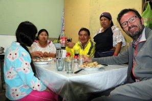 dernier dîner en famille à Otavalo (Blanca, Eva, Galo et son épouse) - l'autre ailleurs, une autre idée du voyage