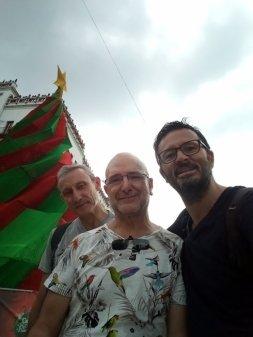 de gauche à droite : Patrick, Rafaël et moi. Une sacrée belle rencontre - l'autre ailleurs en Colombie, une autre idée du voyage