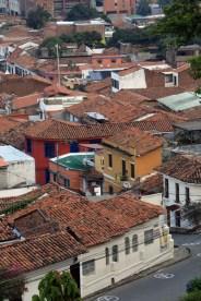 vue depuis le parc dans le quartier San Antonio Cali - l'autre ailleurs en Colombie, une autre idée du voyage