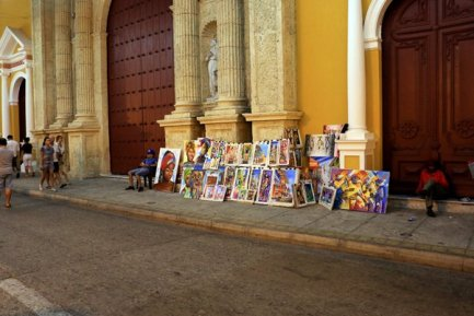 de l'art dans la rue à Carthagène des Indes - l'autre ailleurs en Colombie, une autre idée du voyage