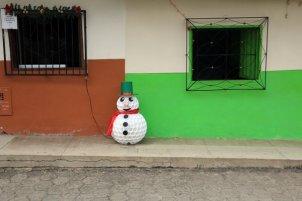 drôle de bonhomme de neige à Jardin - l'autre ailleurs en Colombie, une autre idée du voyage