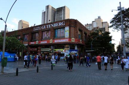 près de la place Botero à Medellín - l'autre ailleurs en Colombie, une autre idée du voyage