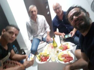 réveillon à Medellín, avec de gauche à droite : Eduardo, Patrick et Rafael. - l'autre ailleurs en Colombie, une autre idée du voyage