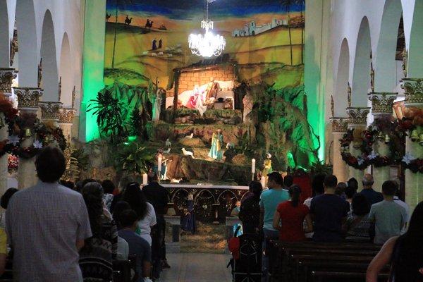l'église en pleine messe à Salento - l'autre ailleurs en Colombie, une autre idée du voyage