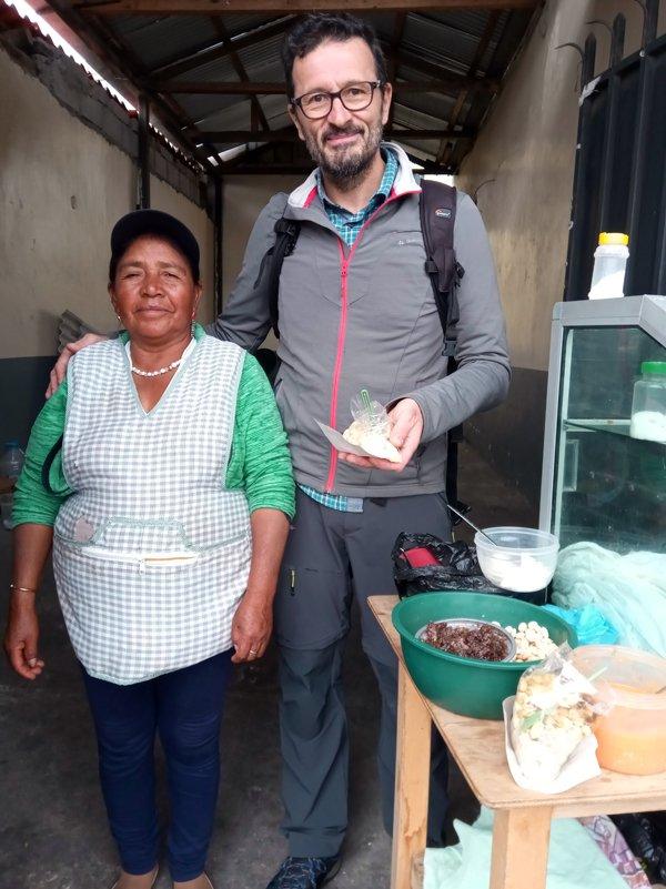 avec la maman de Danilo à Otavalo - l'autre ailleurs