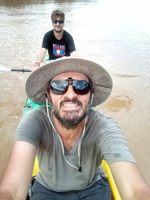 Kayak sur le fleuve Nam Ou à Nong Khiaw - l'autre ailleurs, une autre idée du voyage