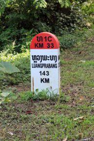 Luang Prabang n'est qu'à 143 Km et pourtant comptez plus de 3h de mini-bus - l'autre ailleurs, une autre idée du voyage
