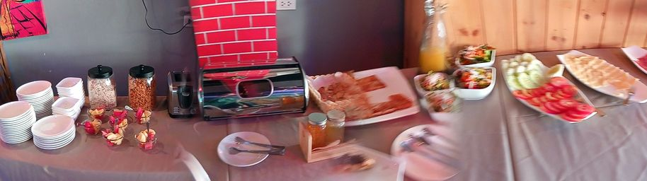 petit déjeuner fort copieux au Khaosan Art Hotel à Bangkok - l'autre ailleurs, une autre idée du voyage