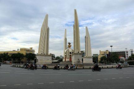 dans la rue à Bangkok - l'autre ailleurs, une autre idée du voyage