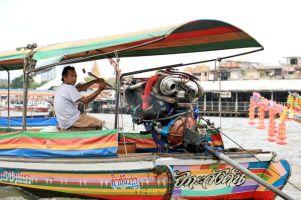sur le fleuve Chao Phraya à Bangkok - l'autre ailleurs, une autre idée du voyage