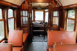 dans le tram - l'autre ailleurs à Porto, une autre idée du voyage