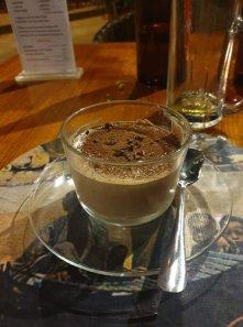 mousse au chocolat et coco pour mon dîner de Noël au restaurant The Black Bamboo à Bagan - l'autre ailleurs au Myanmar (Birmanie) et Thaïlande, une autre idée du voyage