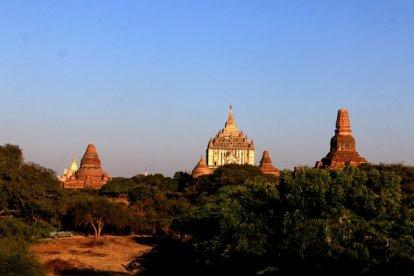 monuments parmi les 2000 monuments, temples et pagodes de Bagan - l'autre ailleurs au Myanmar (Birmanie) et Thaïlande, une autre idée du voyage