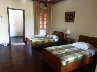 ma chambre dans le motel Golden Sunrise Hotel à Kin Pun, près du site de Golden Rock - l'autre ailleurs au Myanmar (Birmanie) et Thaïlande, une autre idée du voyage