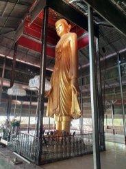 En montant à Mandalay Hill - l'autre ailleurs au Myanmar (Birmanie) et Thaïlande, une autre idée du voyage