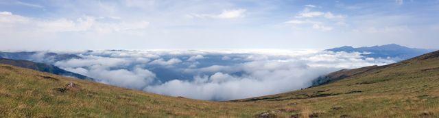 randonnées dans les Pyrénées (étang d'Artats, près de Tarascon sur Ariège)- l'autre ailleurs, une autre idée du voyage