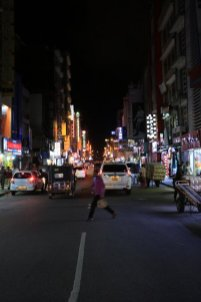 main street de nuit - l'autre ailleurs au Sri-Lanka, une autre idée du voyage