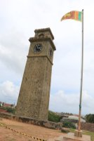 la tour de l'horloge dans la partie vieille ville de Galle - l'autre ailleurs au Sri-Lanka, une autre idée du voyage