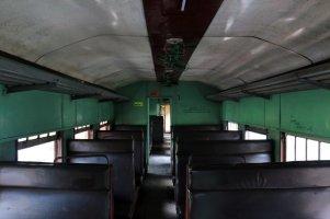 dans un wagon de 3ème classe en gare de Galle - l'autre ailleurs au Sri-Lanka, une autre idée du voyage