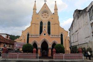 un église dans les rue de Kandy - l'autre ailleurs au Sri-Lanka, une autre idée du voyage