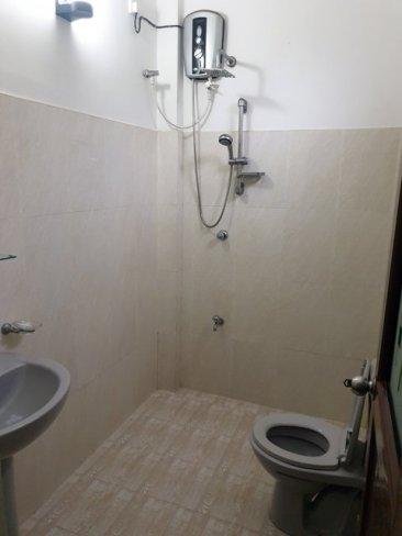 toilettes / douche de ma chambre à Mirissa - l'autre ailleurs au Sri-Lanka, une autre idée du voyage