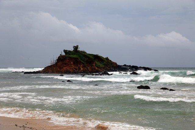 depuis la plage principale de Mirissa - l'autre ailleurs au Sri-Lanka, une autre idée du voyage