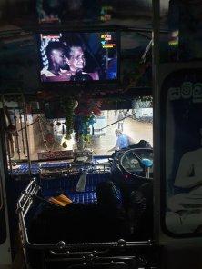 dans le bus de Matara à Mirissa - l'autre ailleurs au Sri-Lanka, une autre idée du voyage