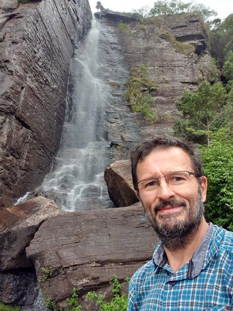 selfie à Lover's Leap Waterfall - l'autre ailleurs au Sri-Lanka, une autre idée du voyage