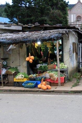 dans une ruelle de Nuwara Elyia - l'autre ailleurs au Sri-Lanka, une autre idée du voyage